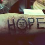 """Татуировка надписи """"Hope"""""""